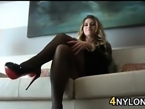 Babe Wearing Sexy Pantyhose Being A Tease