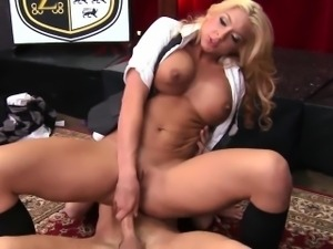 Squirting blonde babe with a nice big ass
