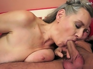Young amateur   squirting