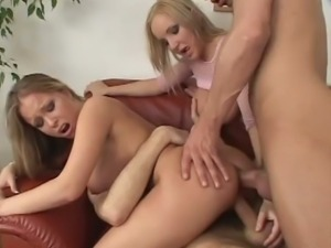 Busty blondes both gets double penetrated