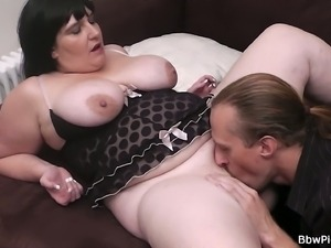 British BBW gets spooned after licking