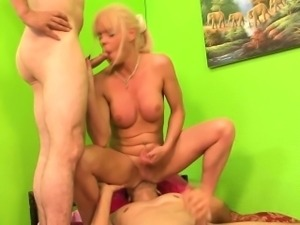 Shemale gets creampied