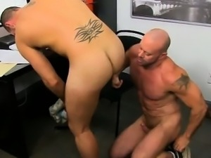 Sexy gay Or that\'s what super-naughty musclebound hunk Casey
