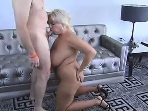 Big Boob Blonde Claudia Marie Suck Off