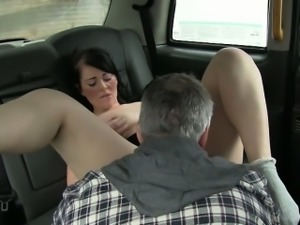 Sexy amateur having sex with the driver to off her fare