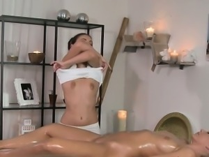 Masseuse oils and licks sexy lesbian blonde