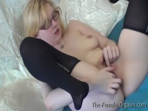 Pure Finger Rubbing Masturbating Coed with Nice Tits free