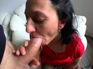 Angelina cheats on her futur husband