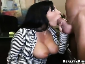 Mature Veronica Rayne loves getting her face banged by Billy Glide after she...