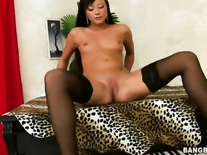 Natalia Forrest enjoys another great cumshot session