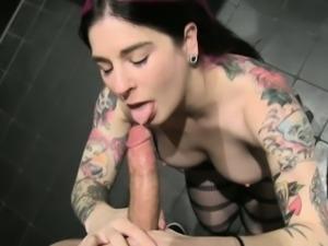 Pornstar goth sucks pov