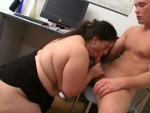 Fatty gives head and fucks on the floor