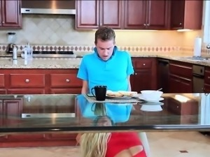 Loyal stepson Van Wylde gets a quickie breakfast blowjob