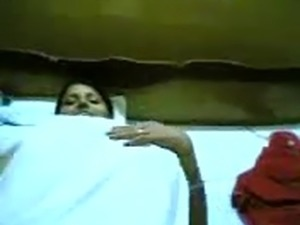 Indian woman having sex on the floor small nice video