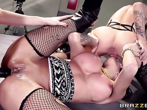 Jessa Rhodes, Kayla Carrera, Kendra James threesome