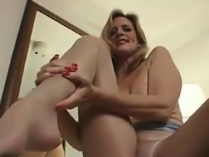 MILF In Pantyhose Rubbing Her Pussy