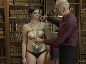 hexxus gets her boobs tied and hole wetted