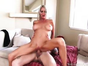 Emma Starr seduces a pool boy