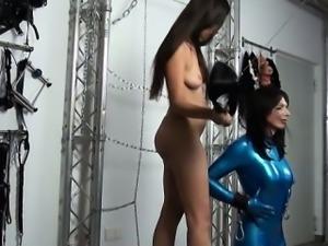 Kinky slender hotie dildos her hot latex sex slave