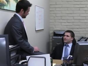Officehunk assfucks receptionist over desk
