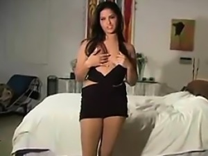 Sexy Girl Teasing Her Body In Pantyhose