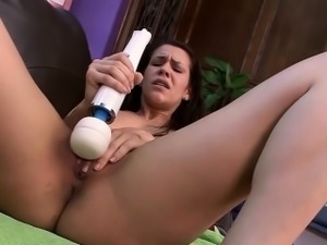 Spanish Hunie Sania Duarte with Hitachi