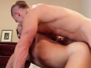 Muscled officebloke rams his buddy after shower