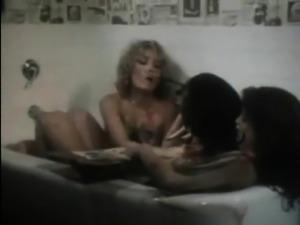 Bath tub threesome