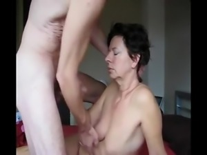 dates25com German mature wife not the happies