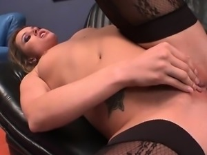 Young girlfriend cum dripping pussy