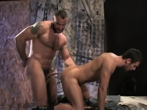 Hariry and tattooed Spencer Reed expands Spencer Fox\'s ass