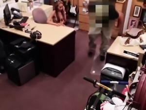 Amateur babe sucks big cock on spycam for cash