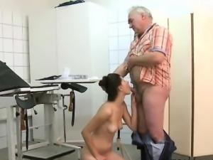 Grandpa Eating Teen\'S Pussy