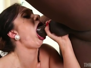 hungry lea gets mouth fucked