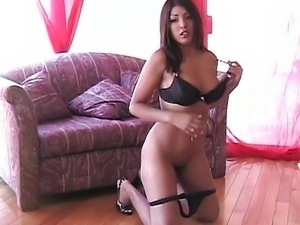 Hot chick shooting for good