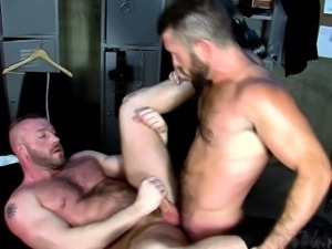 Well hung dude cum soaked