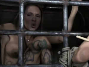 Serf gets her beaver punished from lusty dominatrix