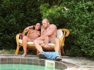 Bisex babes get fucked