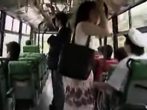 masturbation_in_bus