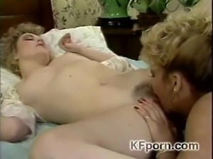 Perfection (1985) - 2 hot blondes lesbians