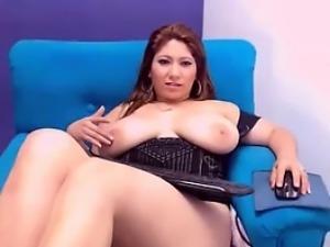 Horny BBW Rubs Her Clit