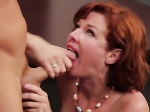 Veronica Avluv is squirting here