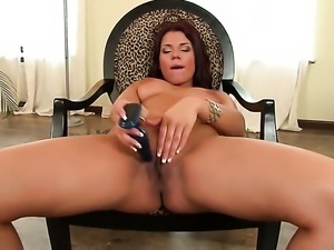 Angelique is full of desire to be anally fucked