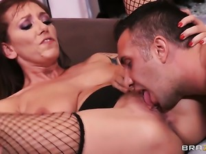 Keiran Lee gets his always hard worm used by Unbelievably sexy bombshell Alia...