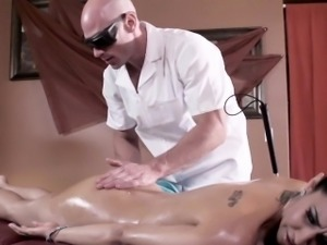 Busty massage babe Isis Love pussyfucked