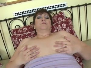 Horny mature BBW mom loves to play alone