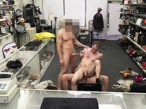 Hottie gym trainer gets ass nailed