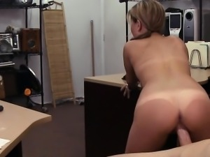 Cute amateur waitress gets her twat pounded by pawn keeper