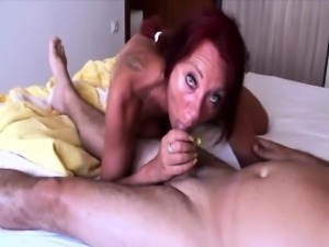 Mature couple starts the day with a really hard fuck