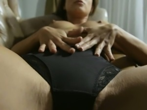 Young playgirl widens legs to get pussy fingered and toyed
